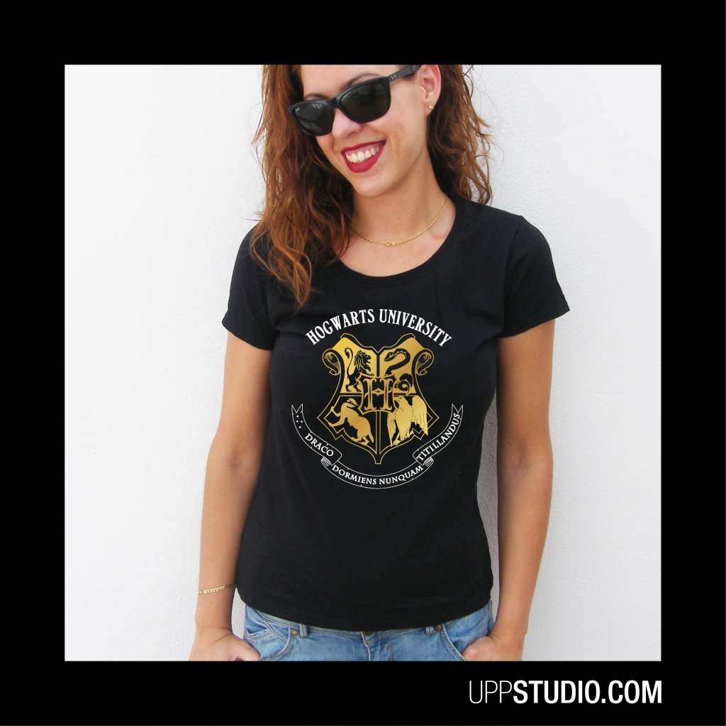 Camiseta Hogwarts University Harry Potter | UppStudio